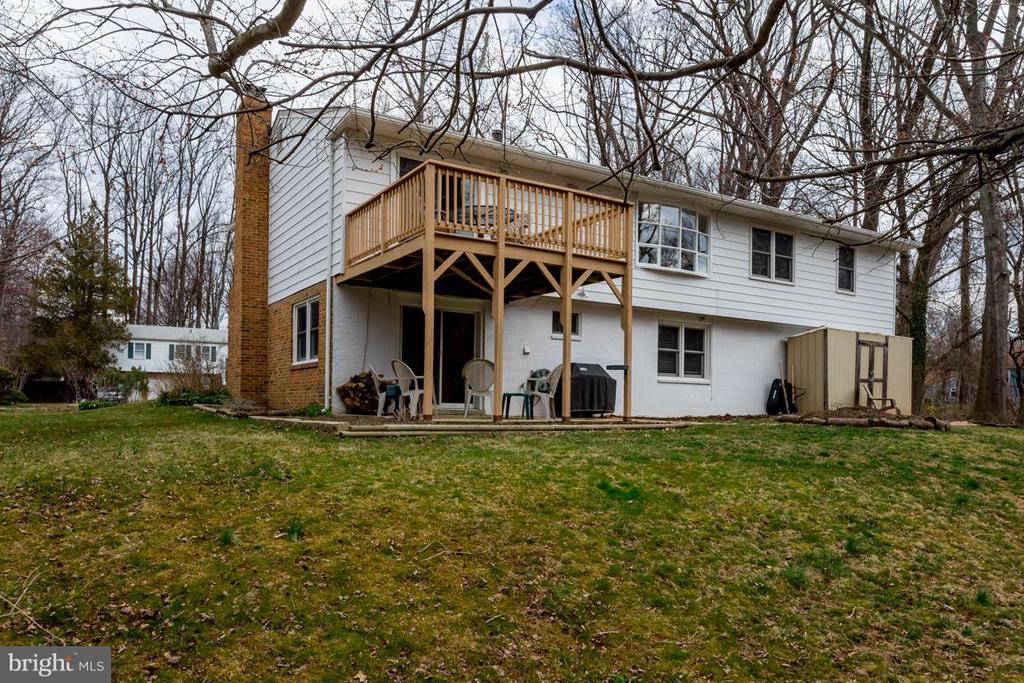 Home close to W&OD trail. Walk to nearby parks - 2328 MALRAUX DR, VIENNA