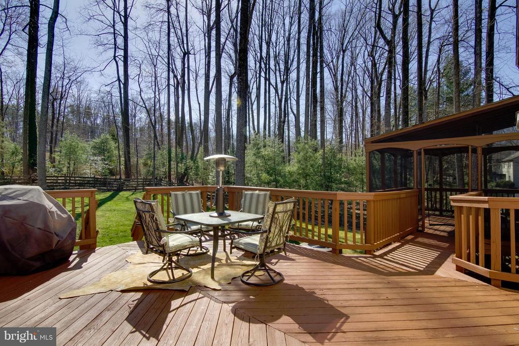 Exterior (Rear) Deck and Screened Porch - 4719 HOPKINS DR, DUMFRIES