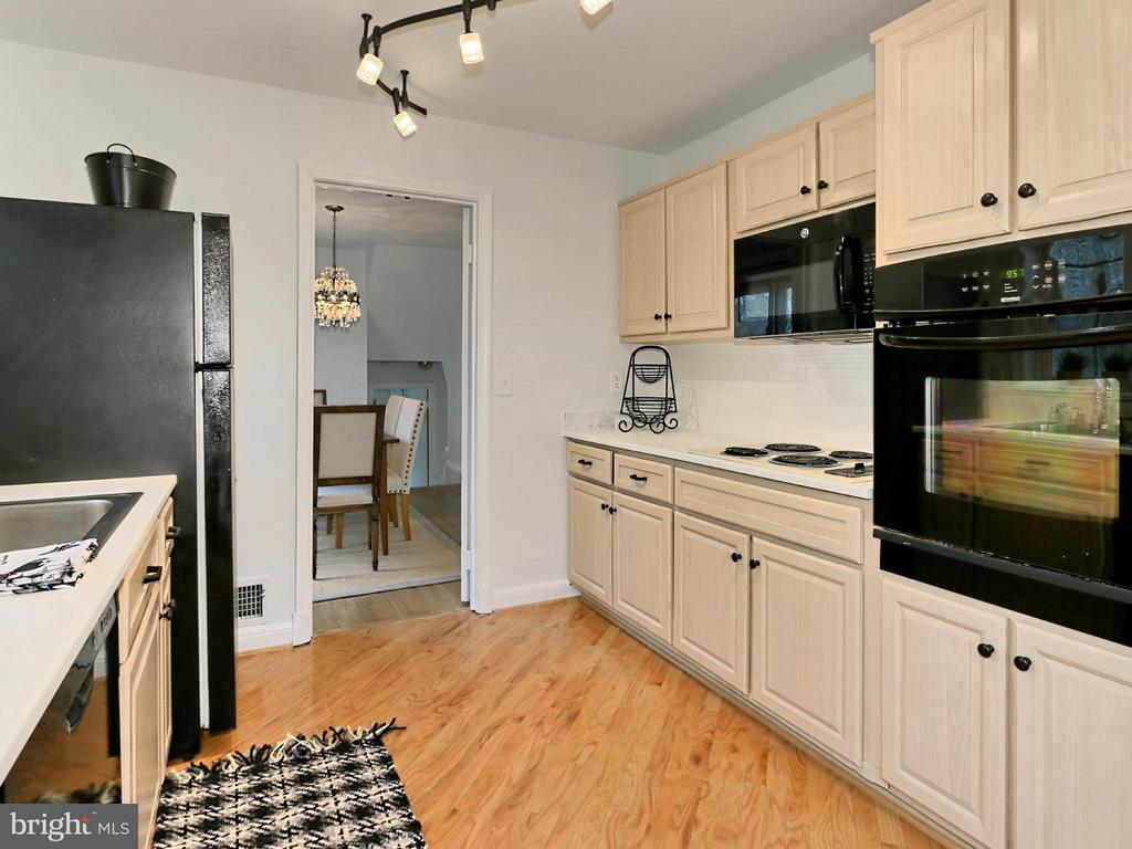 Kitchen - 5005 NINIAN CT, ALEXANDRIA