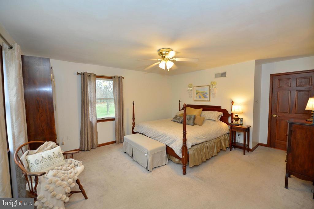 Bedroom (Master) - 450 DEER MOUNTAIN DR, HARPERS FERRY