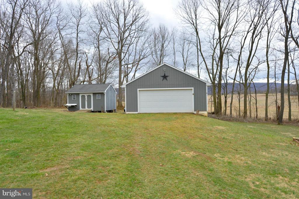 Detached Garage and Gardeners Shed - 450 DEER MOUNTAIN DR, HARPERS FERRY