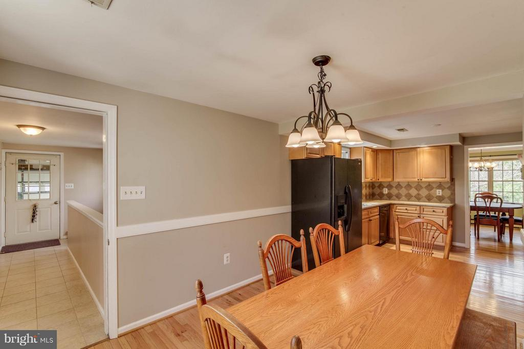 Breakfast Area - 430 32ND ST S, PURCELLVILLE