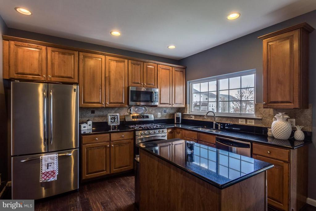 Kitchen with Granite and Stainless Steel Appliance - 4116 AGENCY LOOP, TRIANGLE