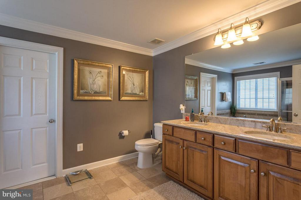 Owner's En Suite with Dual Vanities - 4116 AGENCY LOOP, TRIANGLE