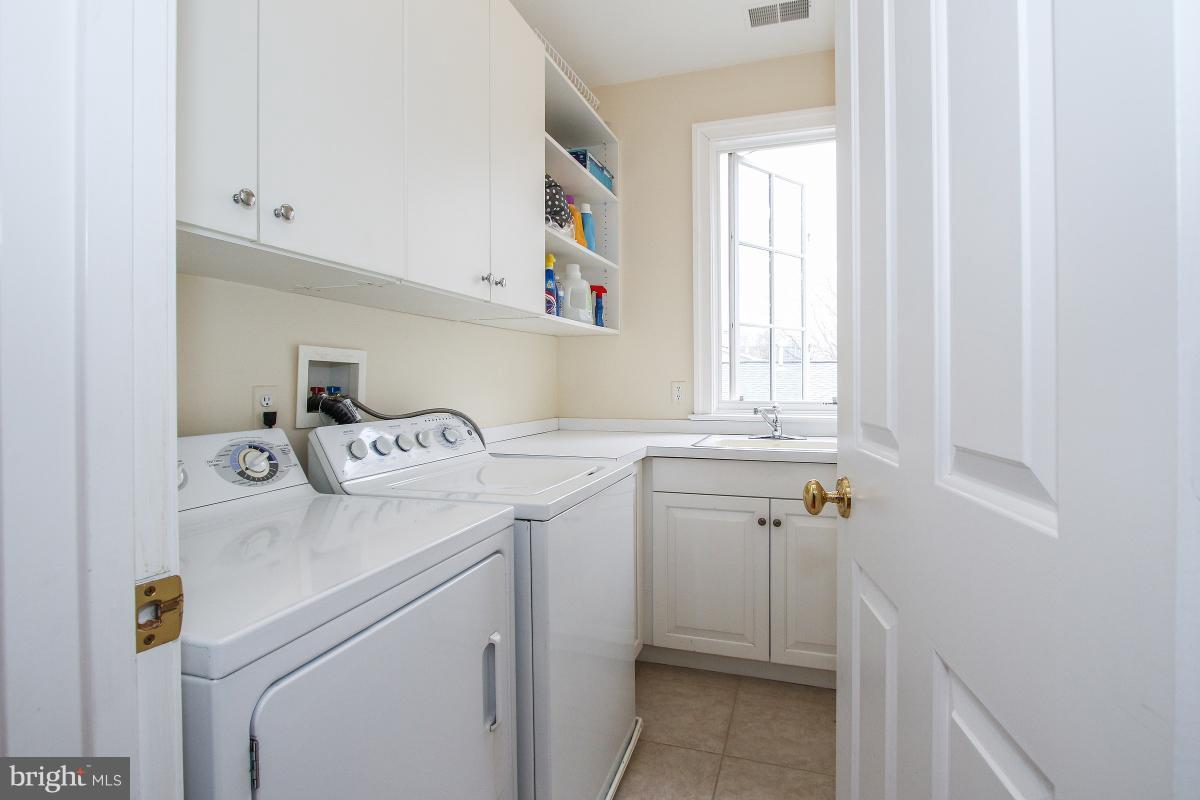 Additional photo for property listing at 4405 Highland Avenue 4405 Highland Avenue Bethesda, Maryland 20814 United States