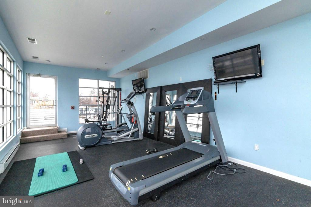 Rooftop Fitness Center - 329 RHODE ISLAND AVE NE #404, WASHINGTON