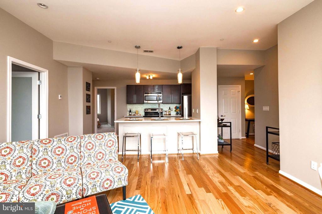 Open Floor Plan-Cook While You Entertain Guests. - 329 RHODE ISLAND AVE NE #404, WASHINGTON