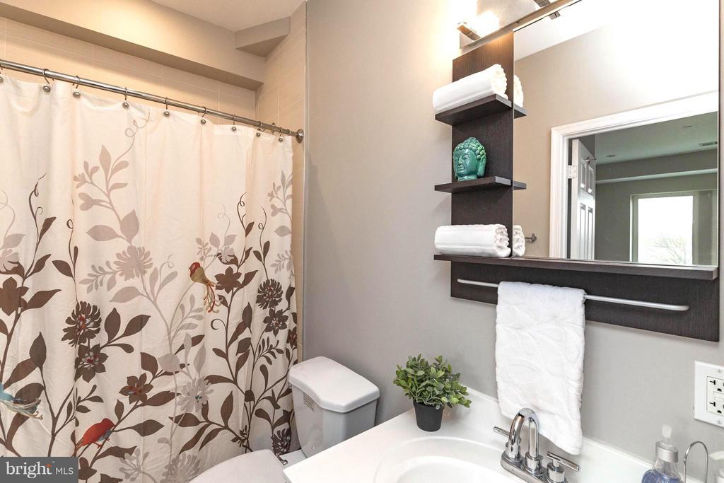 2nd Master Bath with Tub - 329 RHODE ISLAND AVE NE #404, WASHINGTON