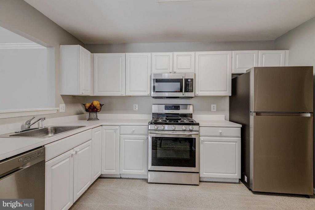 Kitchen (1 of 3) - 12957 BRIDGER DR #1605, GERMANTOWN
