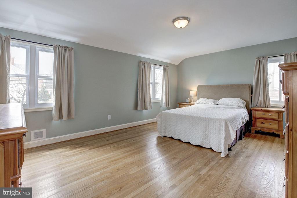 Bedroom #2 - 8907 GEORGIA AVE, SILVER SPRING