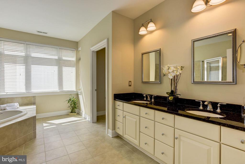 Master Bathroom - 632 PONTE VILLAS SOUTH #146, BALTIMORE