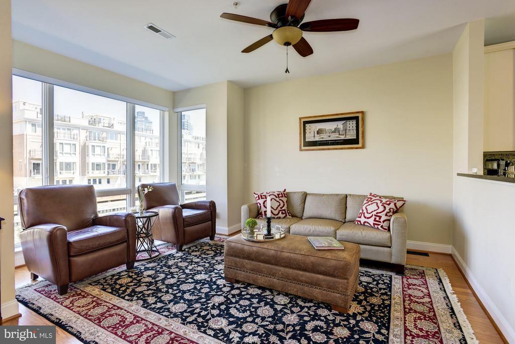 Living Room - 632 PONTE VILLAS SOUTH #146, BALTIMORE