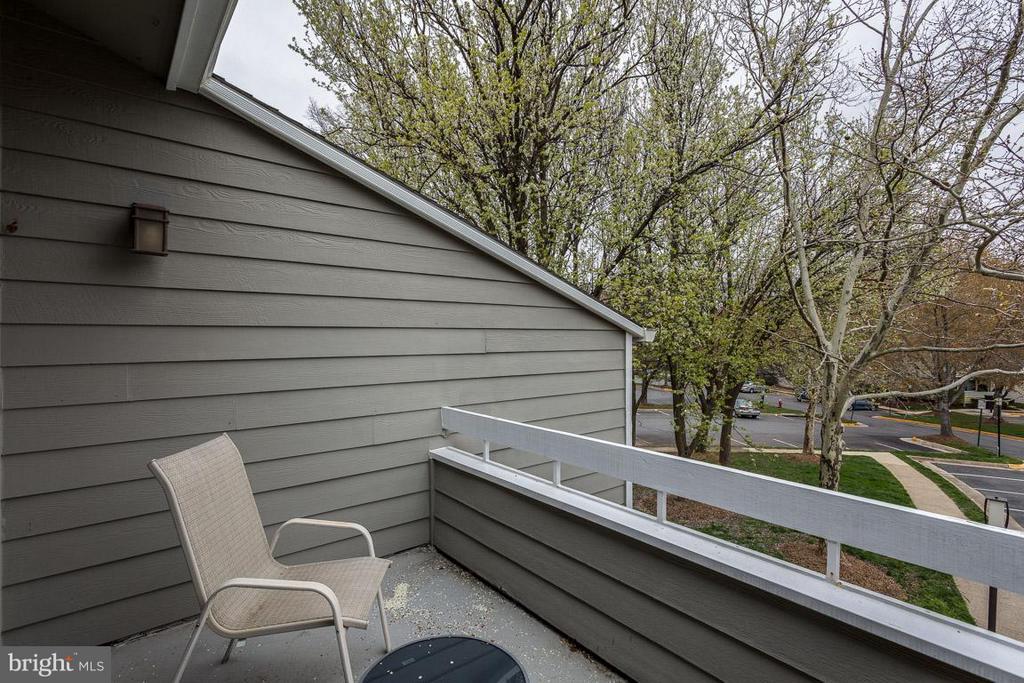 View from patio/balcony - 1903-B VILLARIDGE DR #B, RESTON