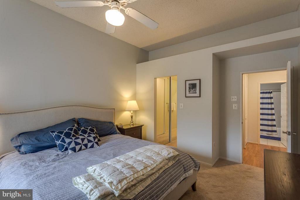 Bedroom (Master) - 1903-B VILLARIDGE DR #B, RESTON