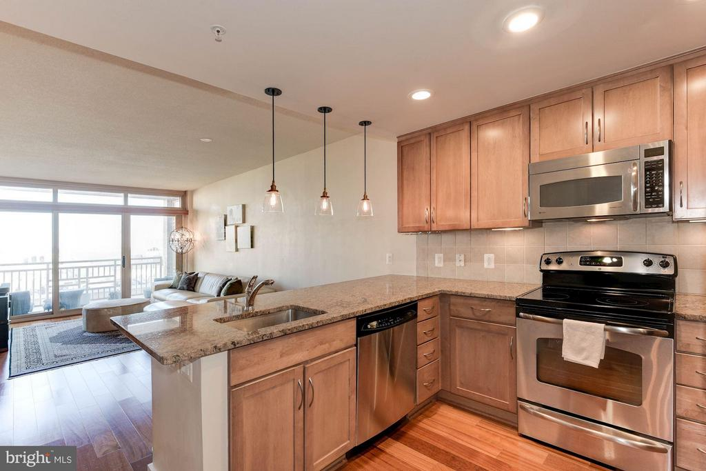 Almost 800 square feet - 888 QUINCY ST #1206, ARLINGTON