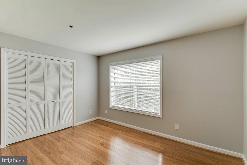 Fantastic closet space! - 3179 SUMMIT SQUARE DR #2-D6, OAKTON