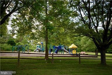 Within walking distance is this great park! - 3179 SUMMIT SQUARE DR #2-D6, OAKTON