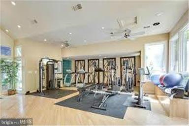 Your own fitness center.  How great is that? - 3179 SUMMIT SQUARE DR #2-D6, OAKTON