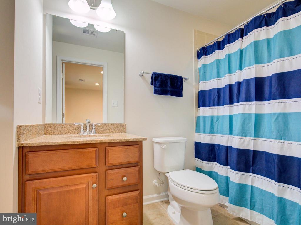 Lower Level Full Bathroom - 22856 YELLOW OAK TER, STERLING