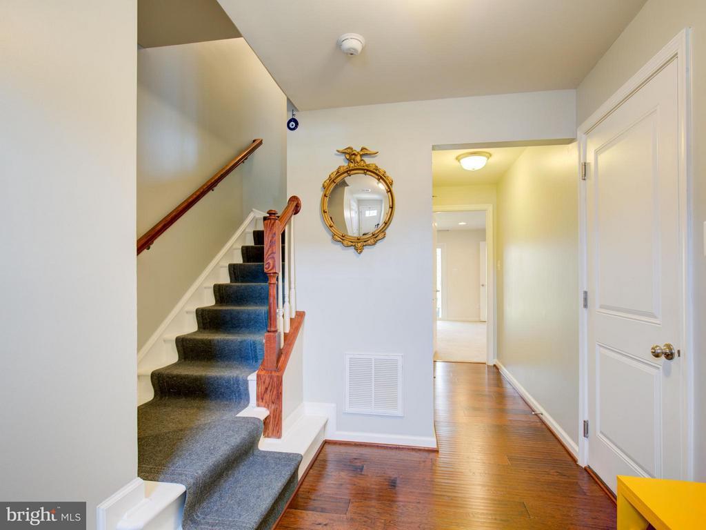 Foyer - 22856 YELLOW OAK TER, STERLING