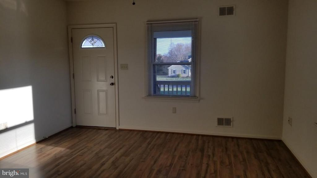 Living Room - 32199 OLD PLANK RD, LOCUST GROVE