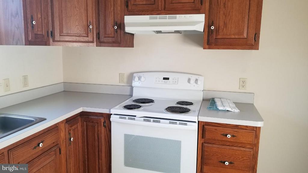 Kitchen - 32199 OLD PLANK RD, LOCUST GROVE