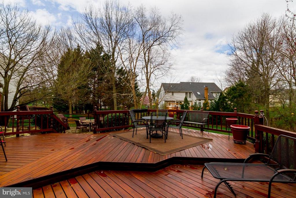 Multi-Level Deck - 12704 THUNDER CHASE DR, RESTON
