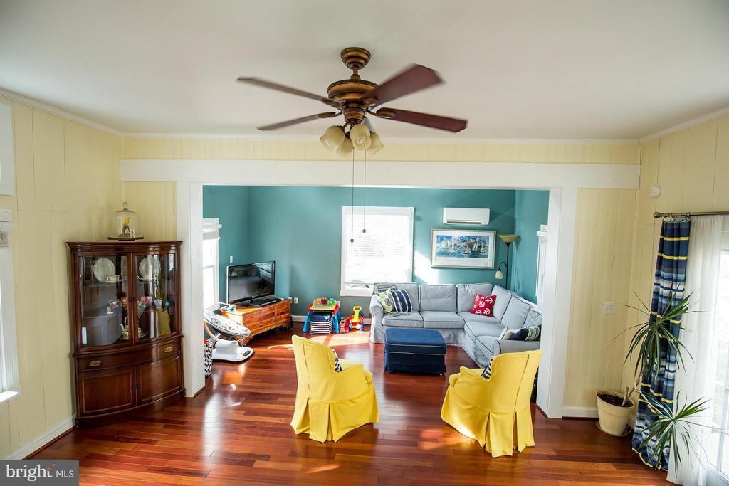 Family Room - 9044 SUDLEY RD, MANASSAS
