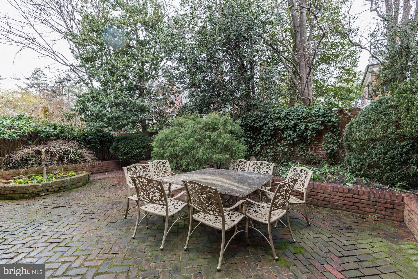 Additional photo for property listing at 2323 Tracy Pl NW  Washington, District Of Columbia 20008 United States