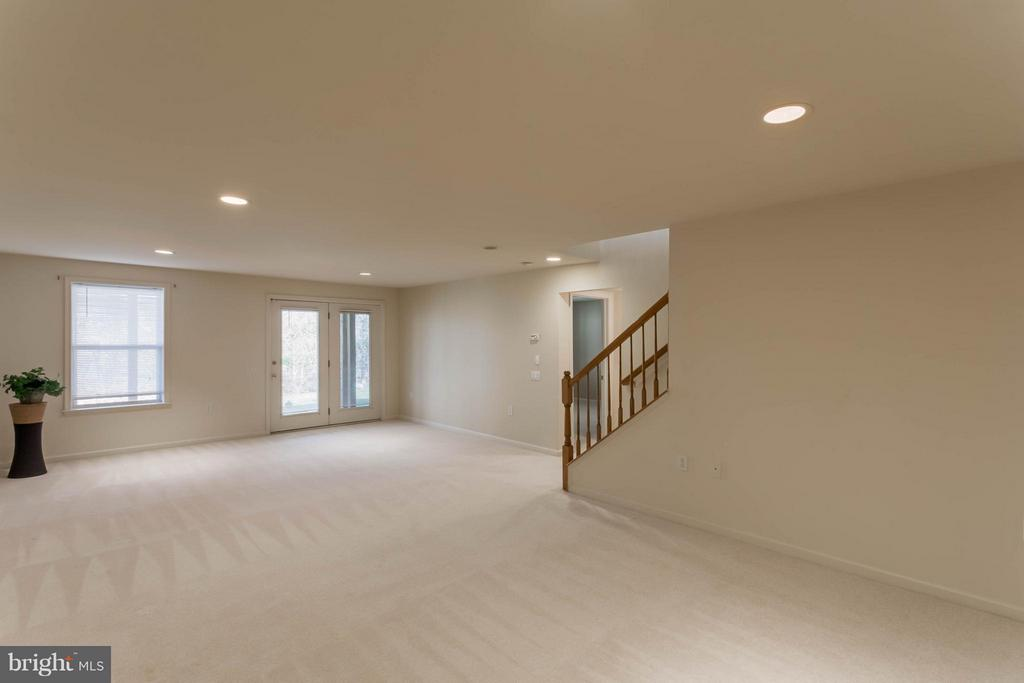Full, walk out basement - 8 DAYTON CIR, FREDERICKSBURG