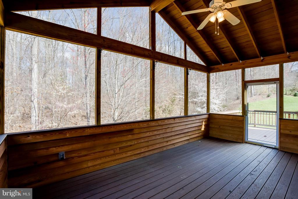 Large, fully screened deck backing to trees - 8 DAYTON CIR, FREDERICKSBURG