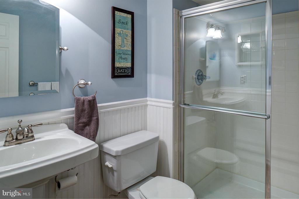 Full Bath in Lower Level - 9429 KATELYN CT, MANASSAS PARK