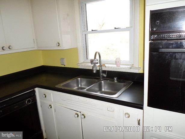 Kitchen - 300 PAYNOR AVE, GORDONSVILLE