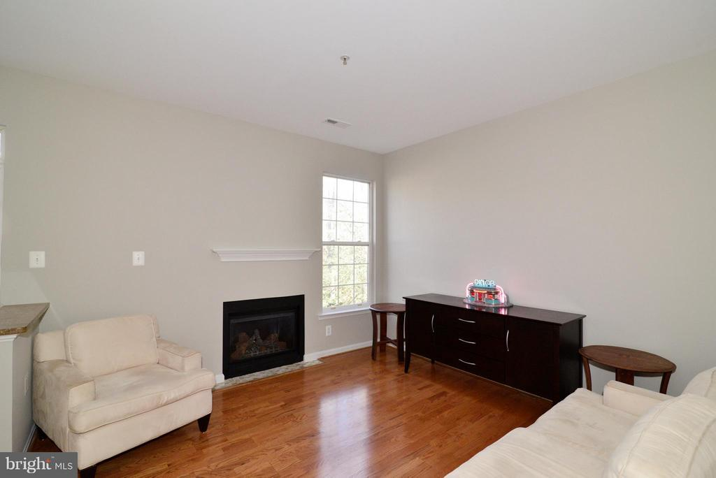 Family Room and stairs to upper level - 11406J WINDLEAF CT #9, RESTON