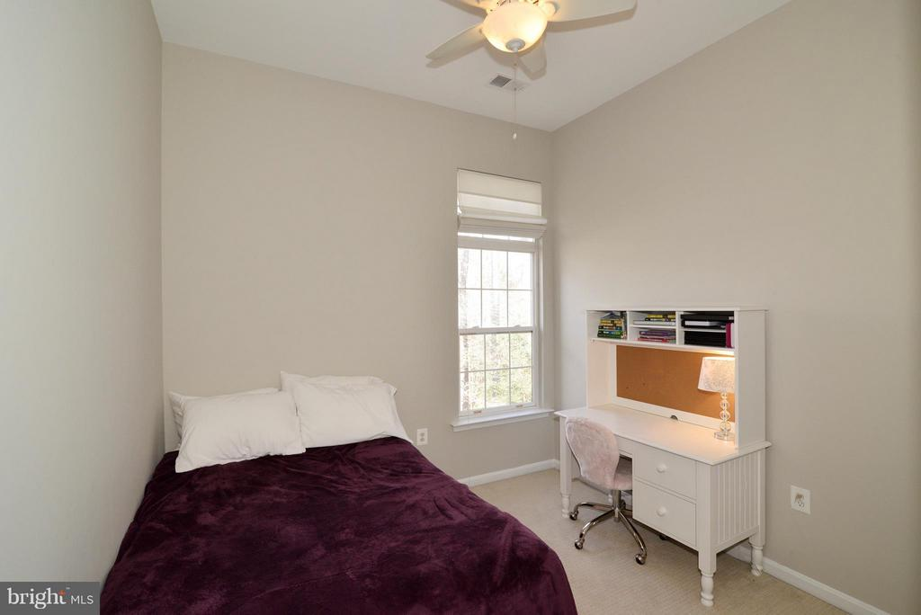 2nd bedroom - 11406J WINDLEAF CT #9, RESTON