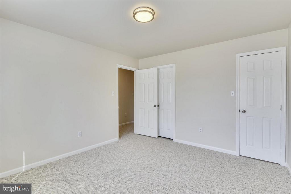 Bedroom #3 with Direct Access to the Full Bath - 508 COVINGTON TER NE, LEESBURG