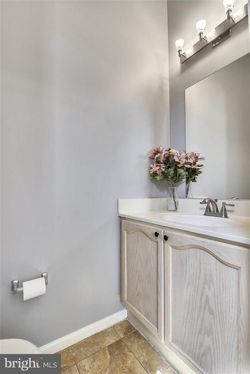 Powder Room on First Level - 508 COVINGTON TER NE, LEESBURG