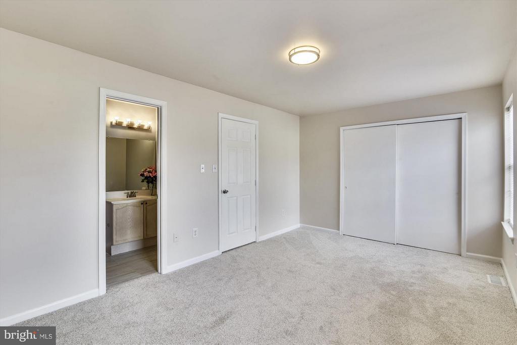 Spacious Master Bedroom #2 - 508 COVINGTON TER NE, LEESBURG