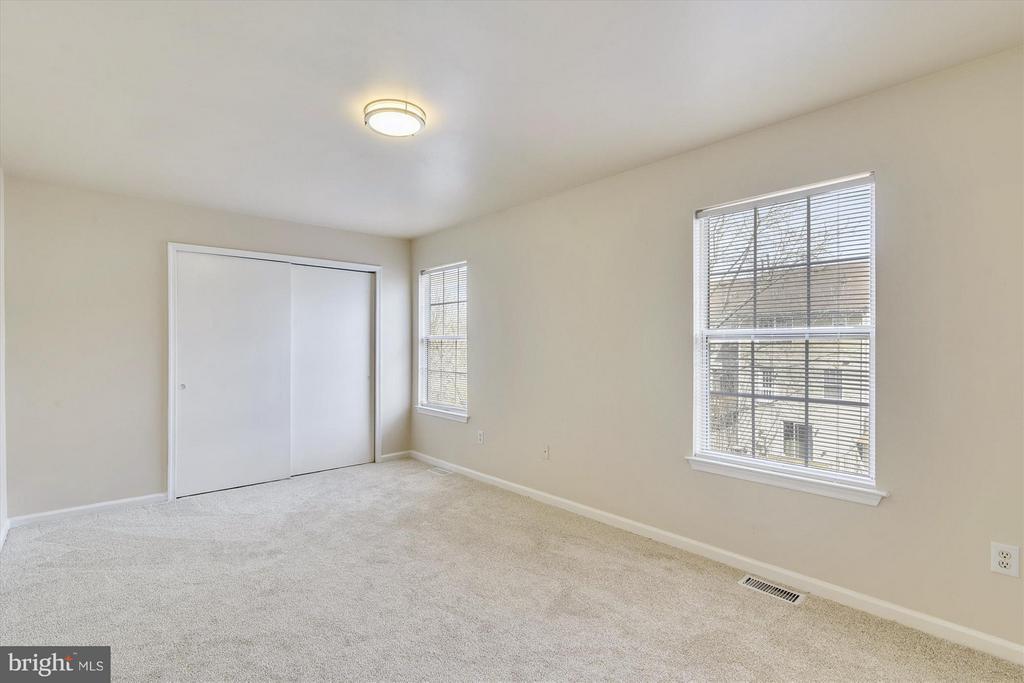 Master Bedroom #2 - New Plush Carpet and Lighting - 508 COVINGTON TER NE, LEESBURG