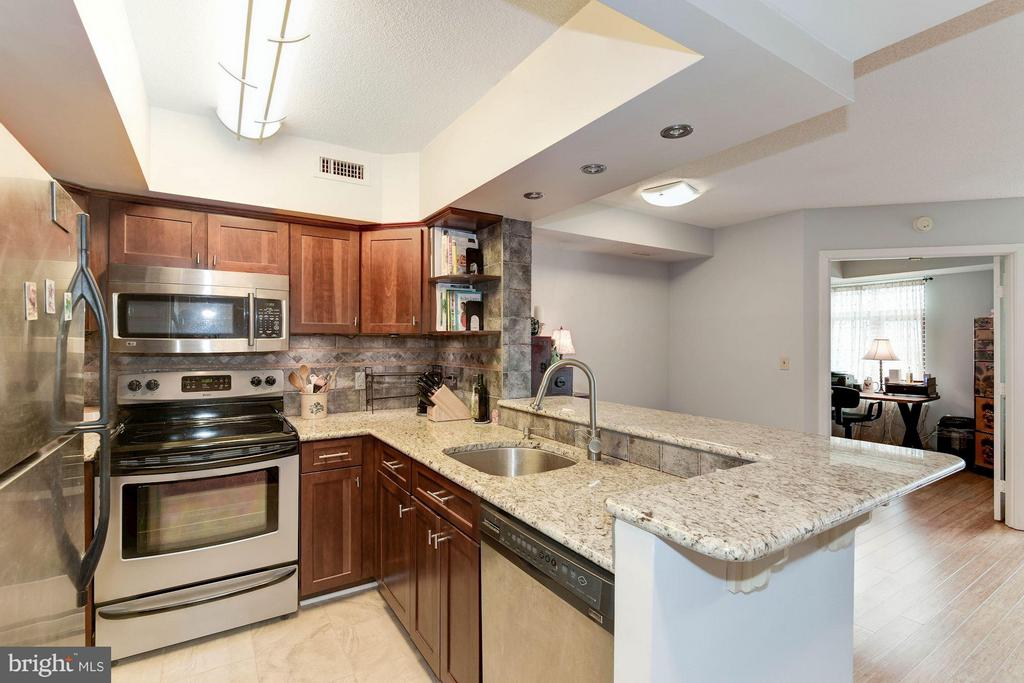 Open layout - 2400 CLARENDON BLVD #310, ARLINGTON