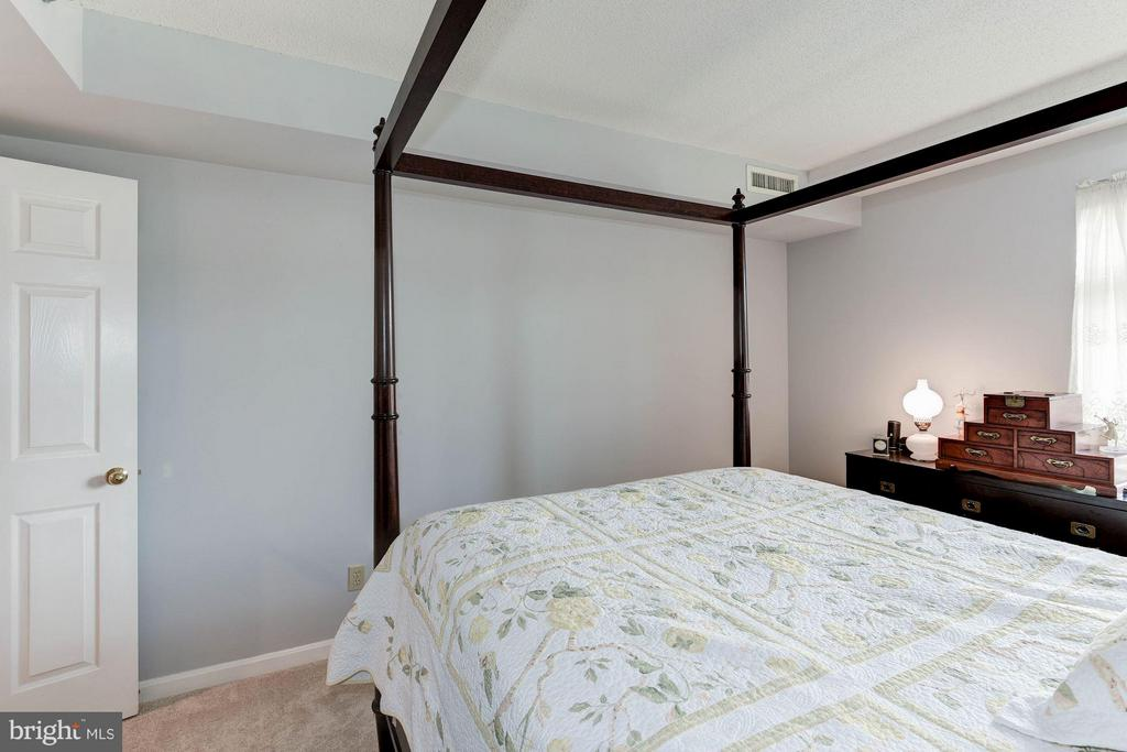 Master bedroom - 2400 CLARENDON BLVD #310, ARLINGTON