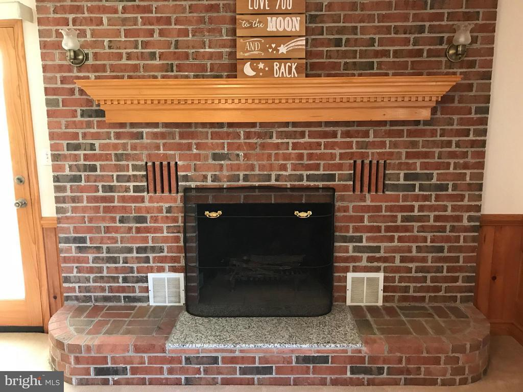 Stay warm in the winter by this cozy fireplace. - 503 WIDEWATER RD, STAFFORD
