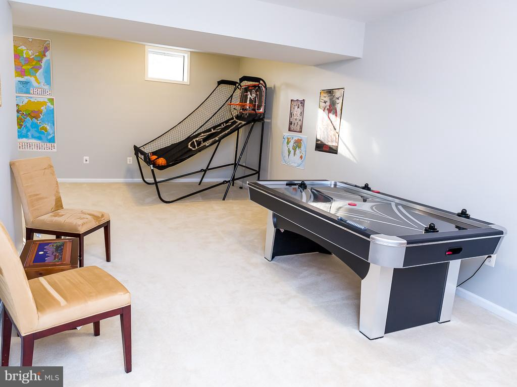 Recreation Room a perfect game room location - 5386 ABERNATHY CT, FAIRFAX