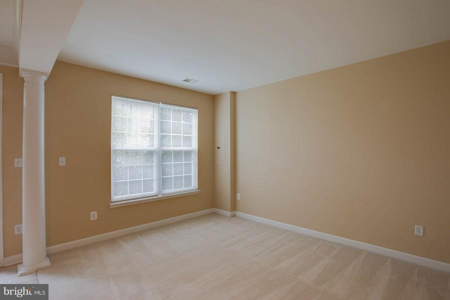 Family Room - 744 COLLINGTON CT, WOODBRIDGE
