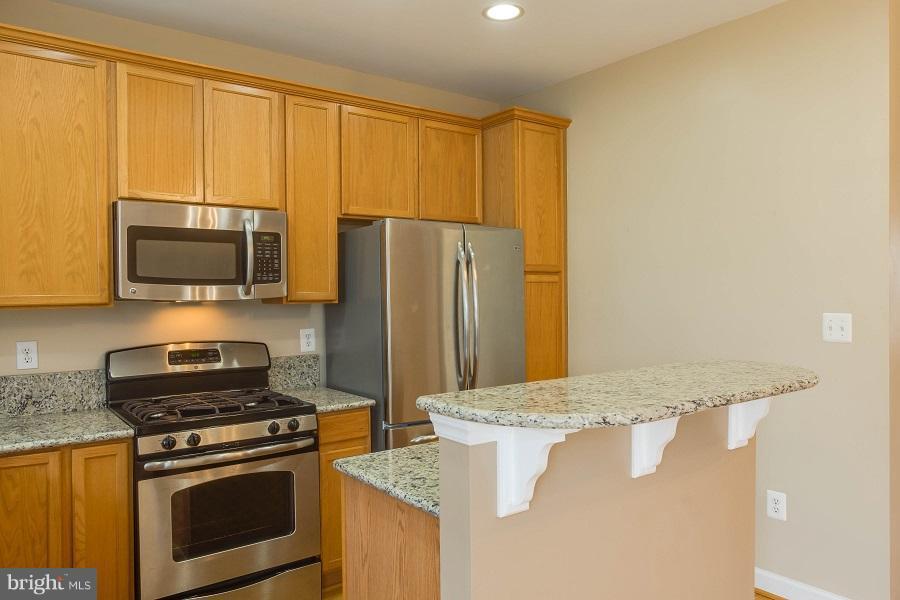 Kitchen - 744 COLLINGTON CT, WOODBRIDGE
