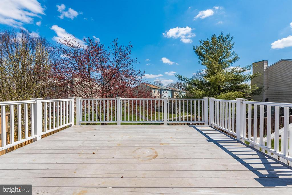 Private outdoor setting - 1480 DOCKSIDE CT, FREDERICK