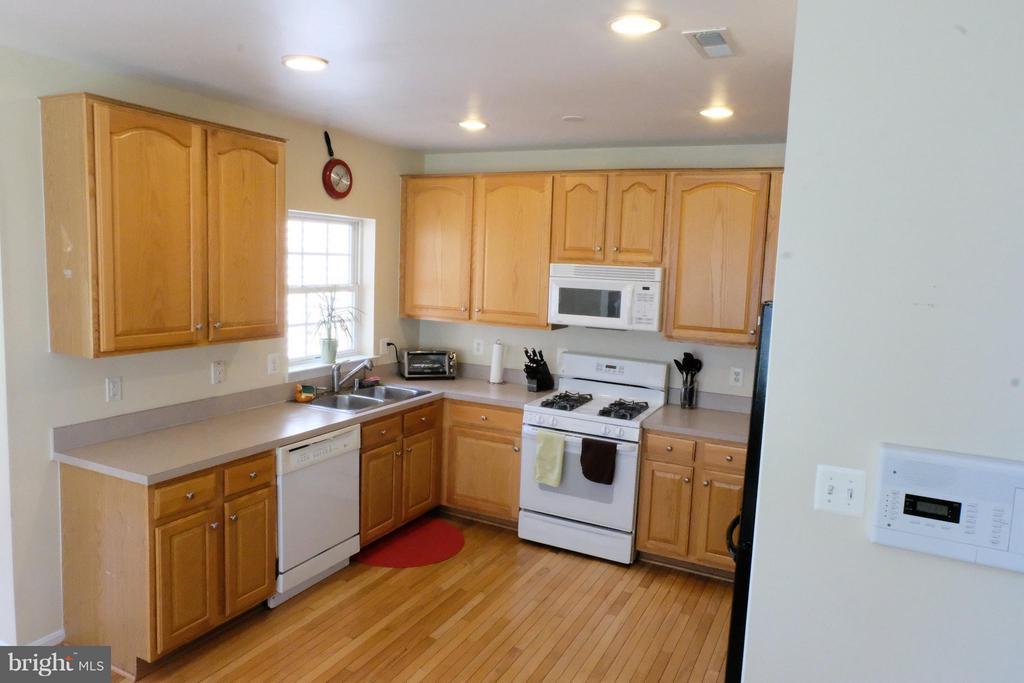 Kitchen - 8895 STABLE FOREST PL, BRISTOW