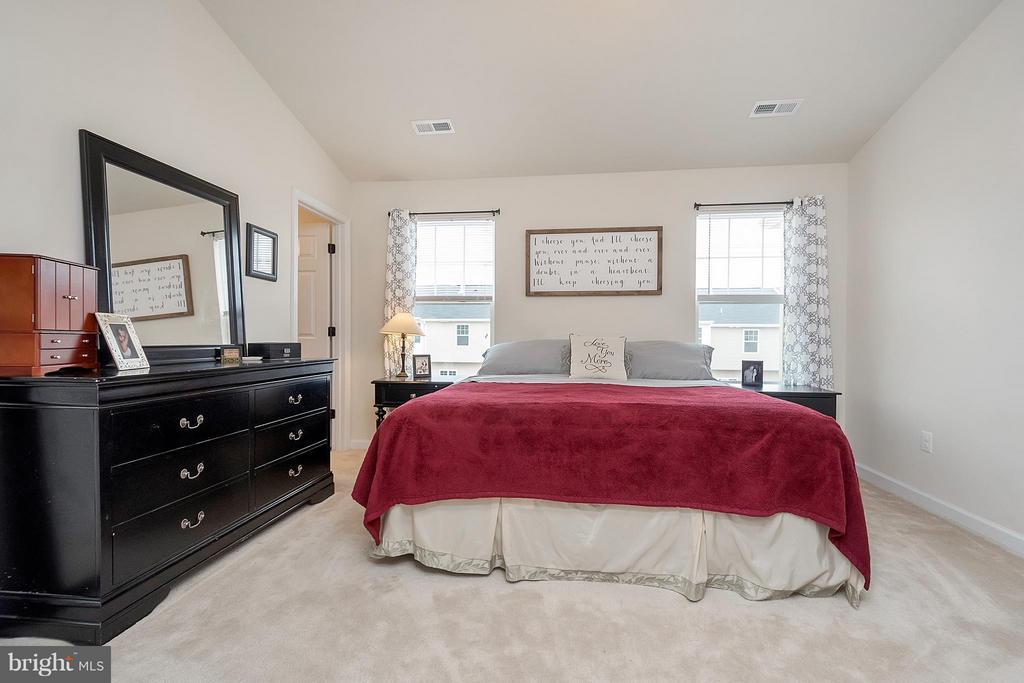 Bedroom (Master) - 2341 DRAKE LN, FREDERICKSBURG
