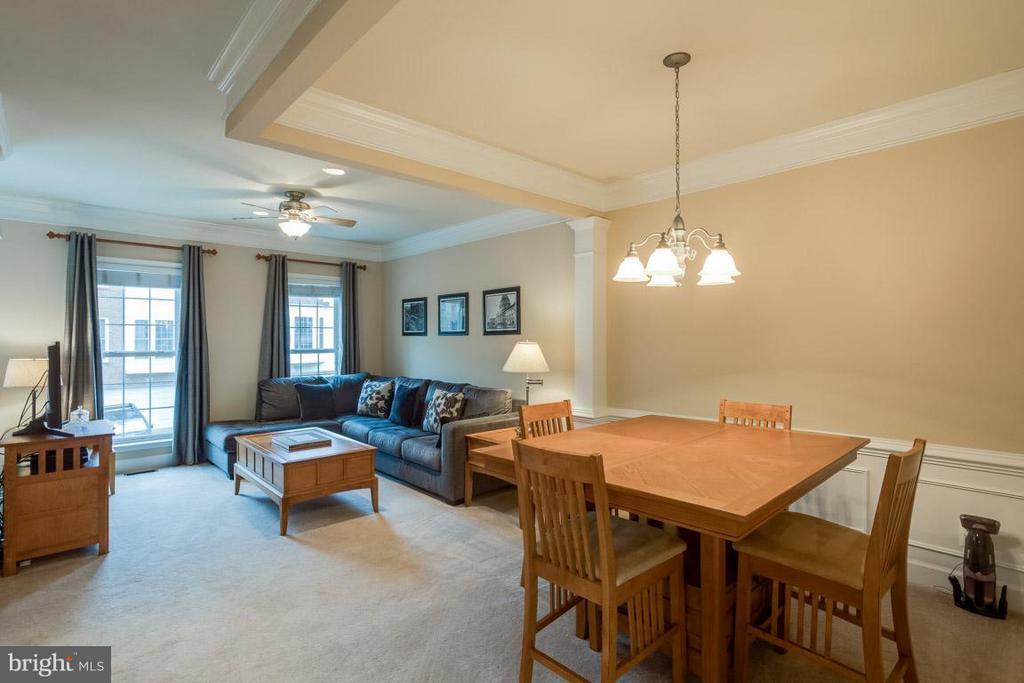 Family Room/Dining Room - 2170 OBERLIN DR, WOODBRIDGE