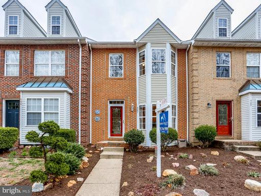 407 LAKEVIEW CT